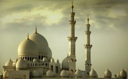 Abu Dhabi (UAE), the beautiful Islamic temples