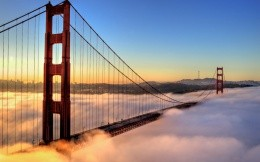 San Francisco bridge fog