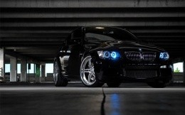 Black BMW in the garage, photo screensavers.