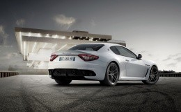 Expensive sports car Maserati Granturismo MC Stradale 2011 white photos on the site.