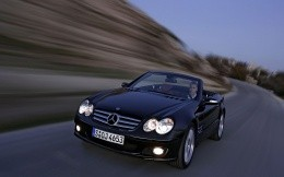 Mercedes in movement