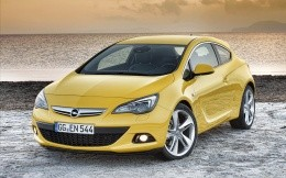 Opel Astra GTC Yellow