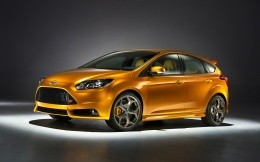 Orange Ford (Ford Focus 3 ST)