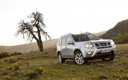 Photo car Nissan X-Trail in the steppes