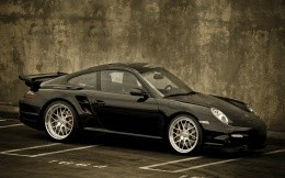 Porsche 911 carrera 4 black