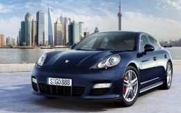 Porsche Panamera 4s car wallpaper