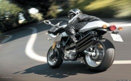 Sport bike at speed - Wallpaper