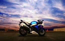 Sport bike Suzuki R GSX, photo wallpapers