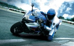 Suzuki sport bike, photo wallpaper