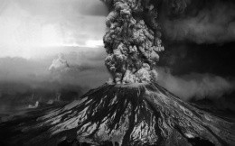 Photo wallpaper with the eruption of the volcano (black and white)