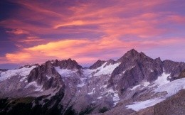 Sunset in the mountains, beautiful pictures on your desktop