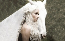 Emily Clark with a white horse in the movie Game Pristolov
