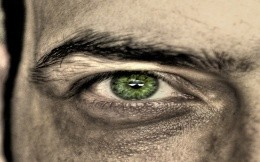 green eye men