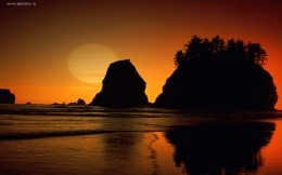 Second Beach in Olympic National Park, Washington wallpaper.