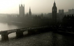 Bleak picture of London, view of the bridge