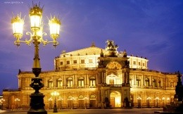 Opera House in Germany wallpaper.