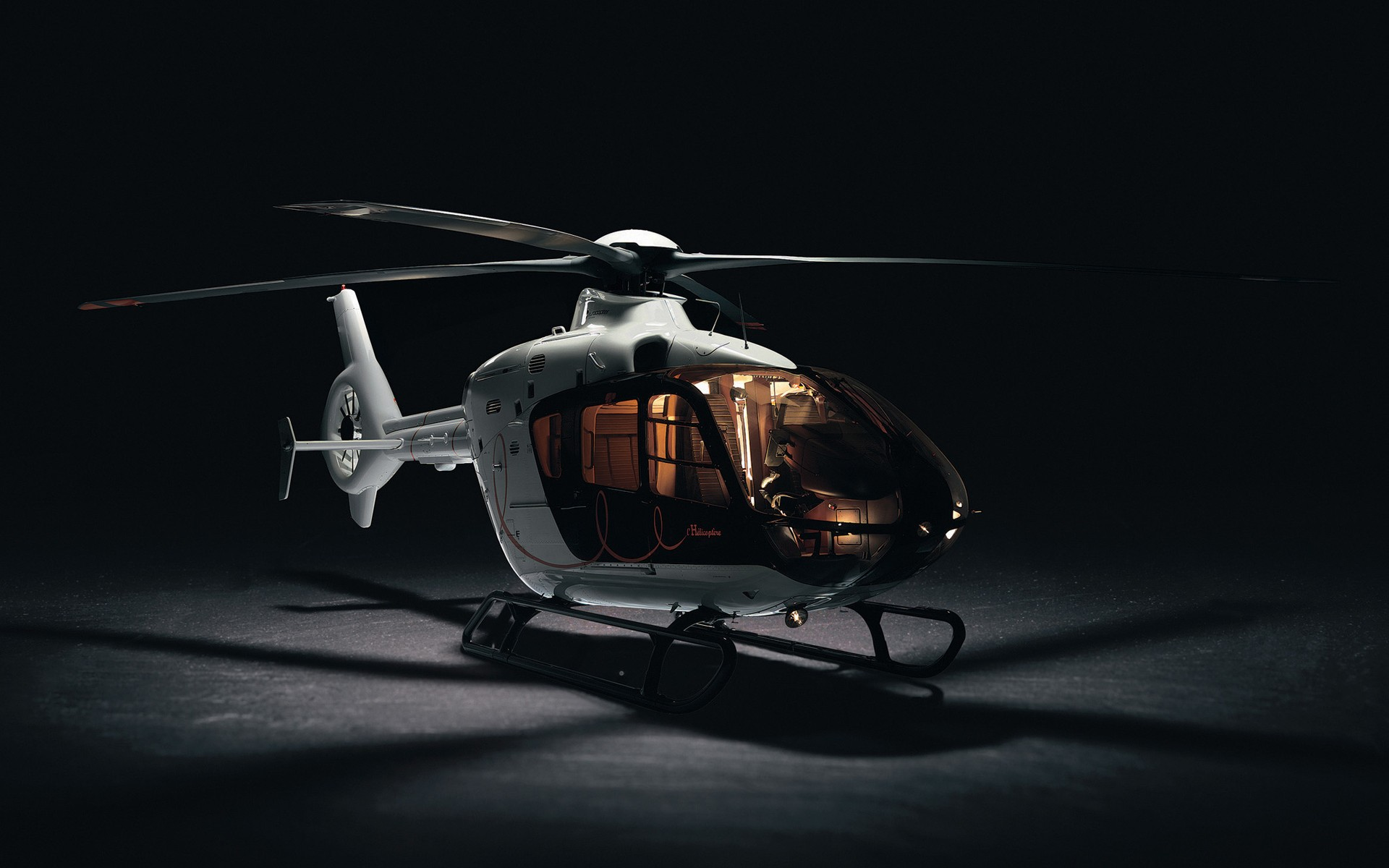 3D model of the helicopter to the desktop