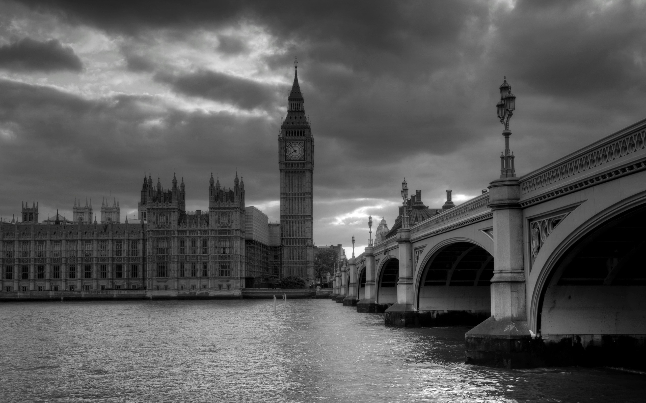 Black and white photo wallpaper London Bridge
