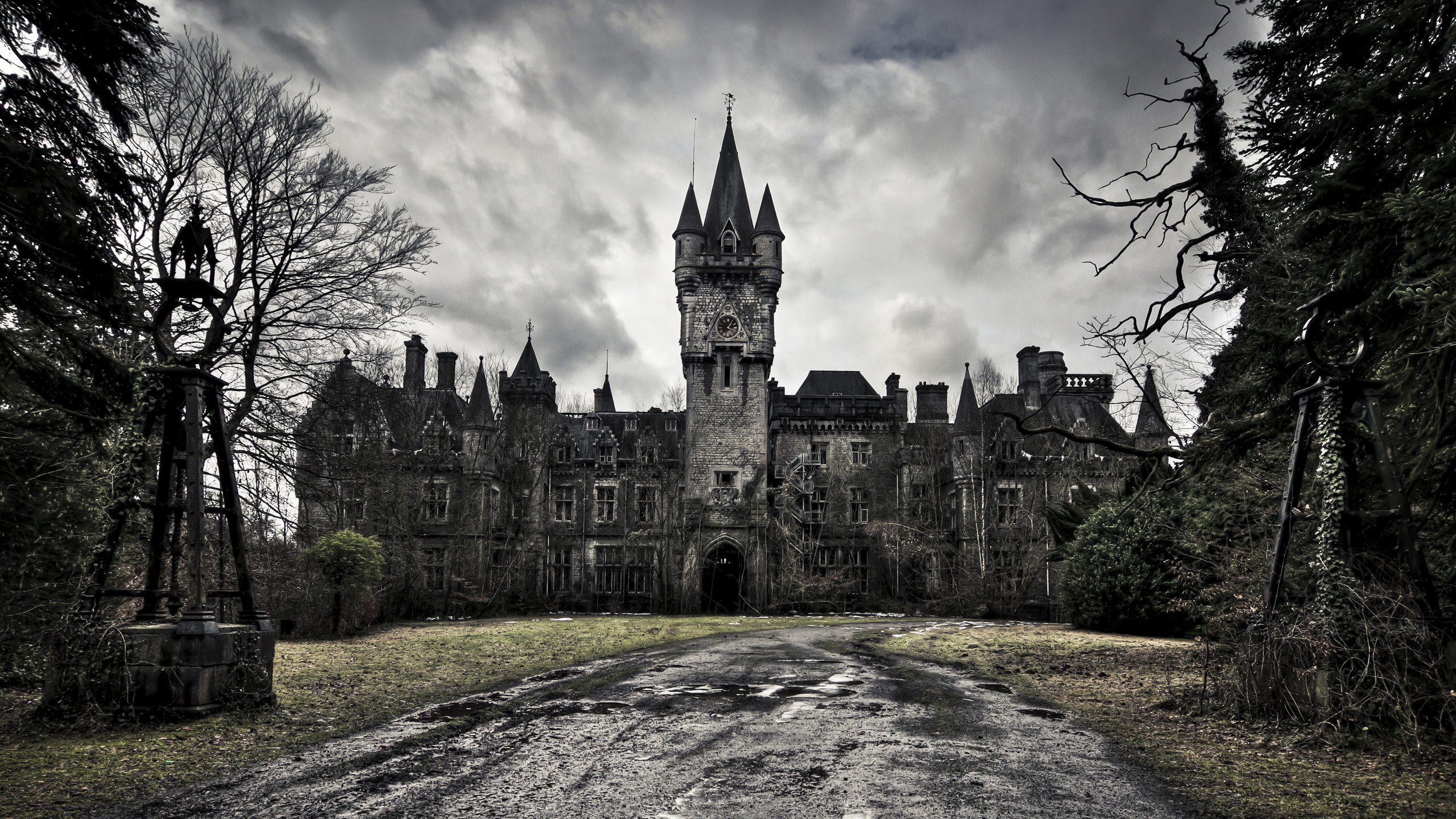 Old Castle, a photo black-and-white colors - Gothic