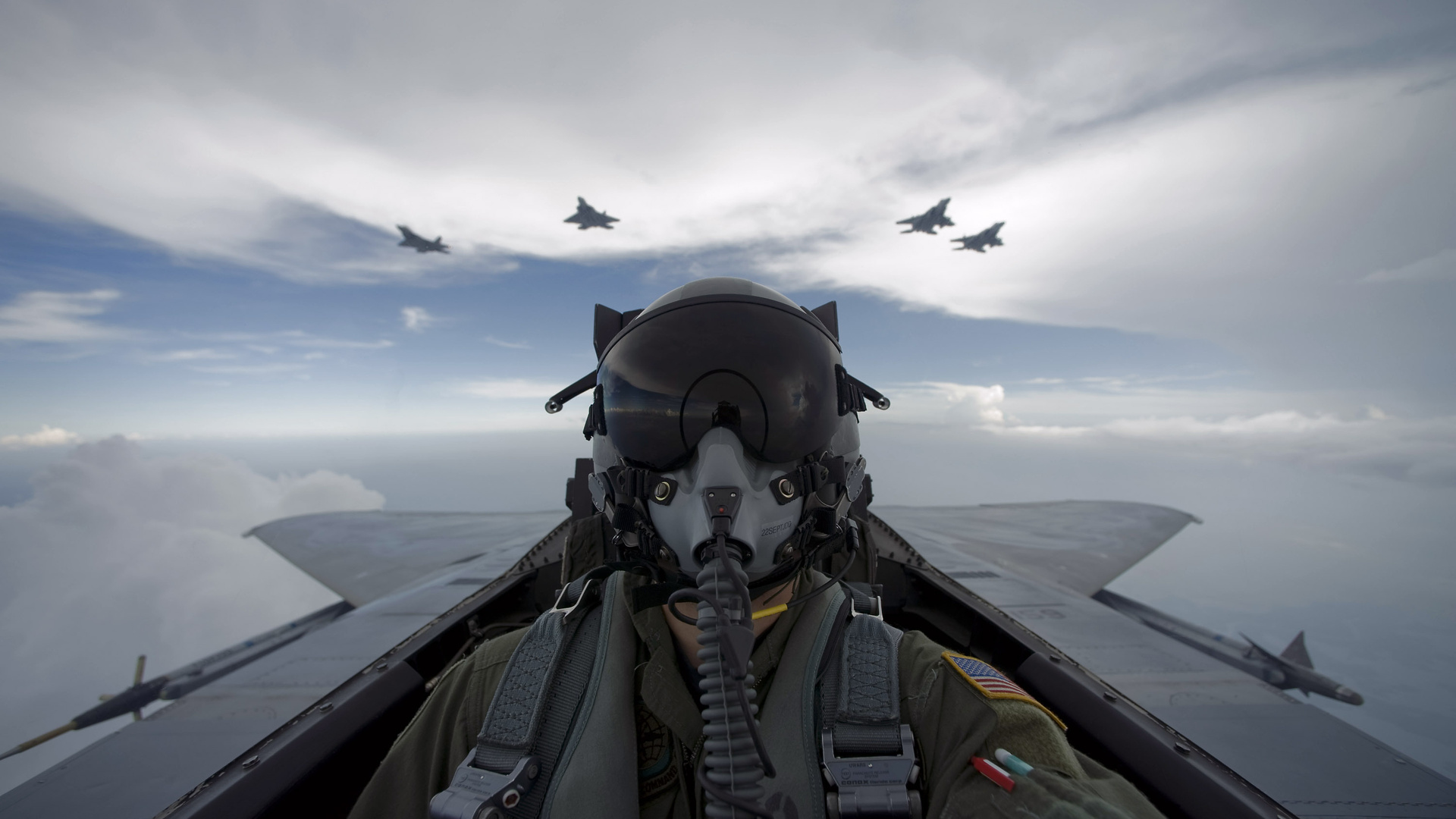 Photo pilot from the cockpit of military aircraft F15 Eagle (1920x1080)
