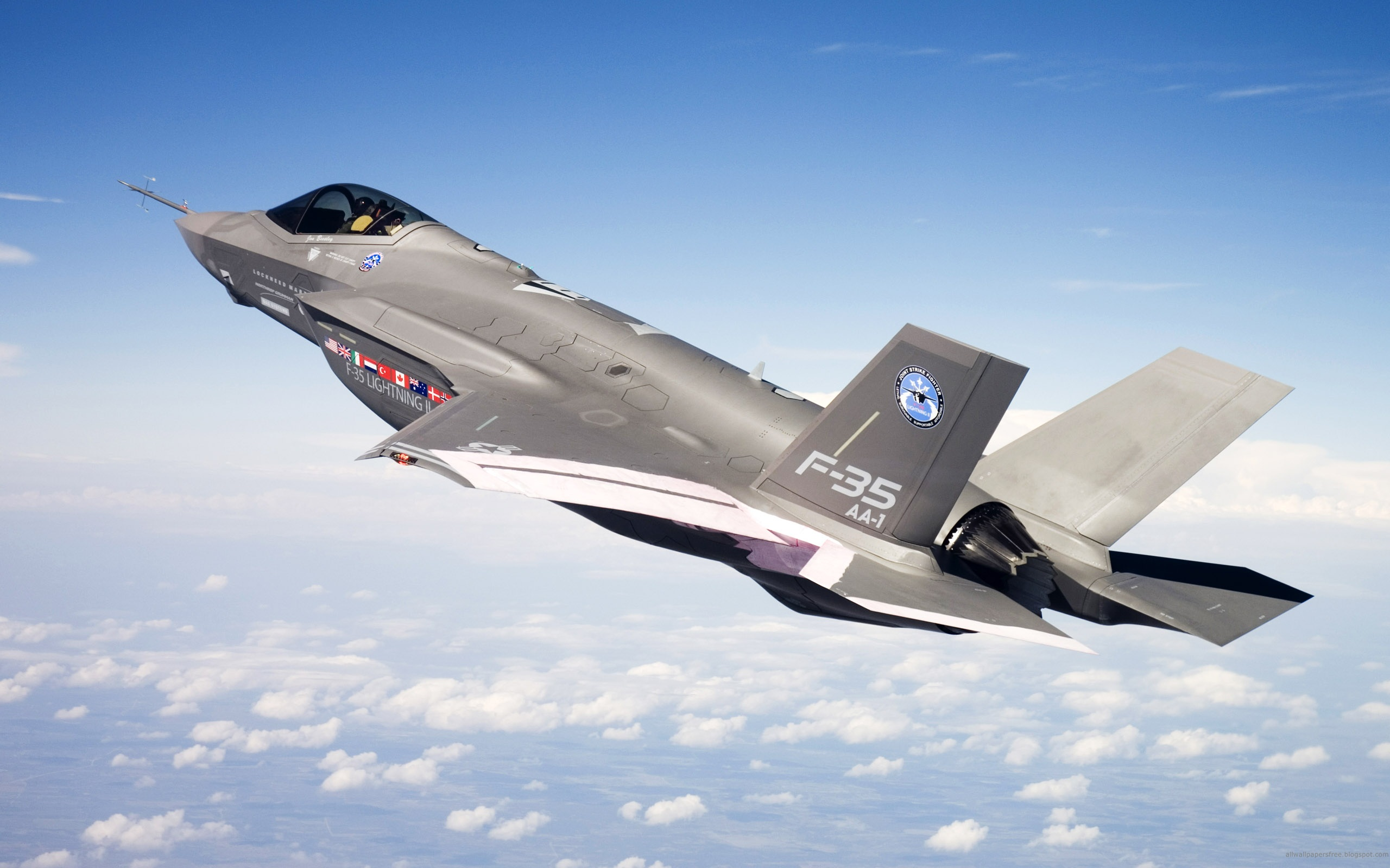 Photos of military aircraft F-35 in the sky