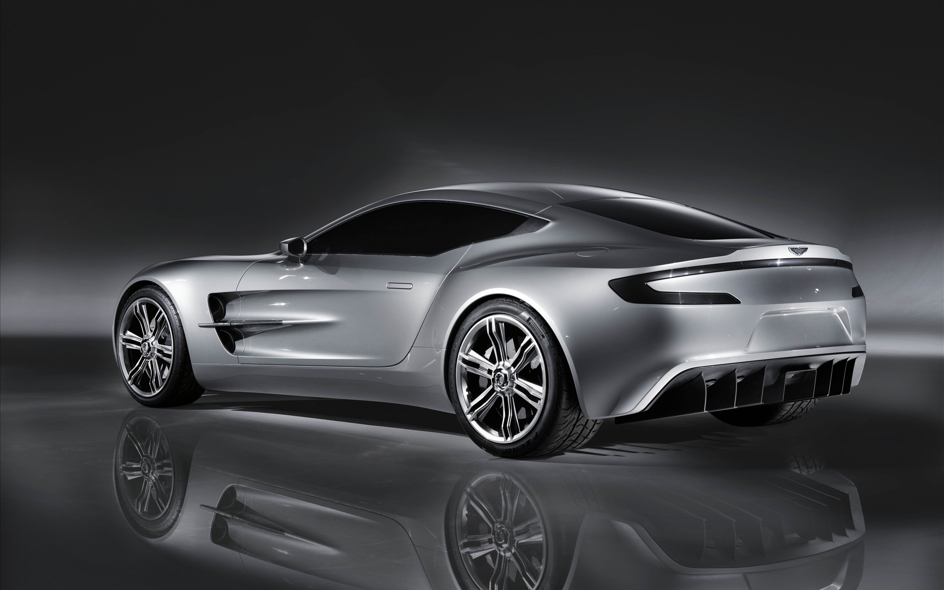 Aston Martin ONE 77 photos car silver