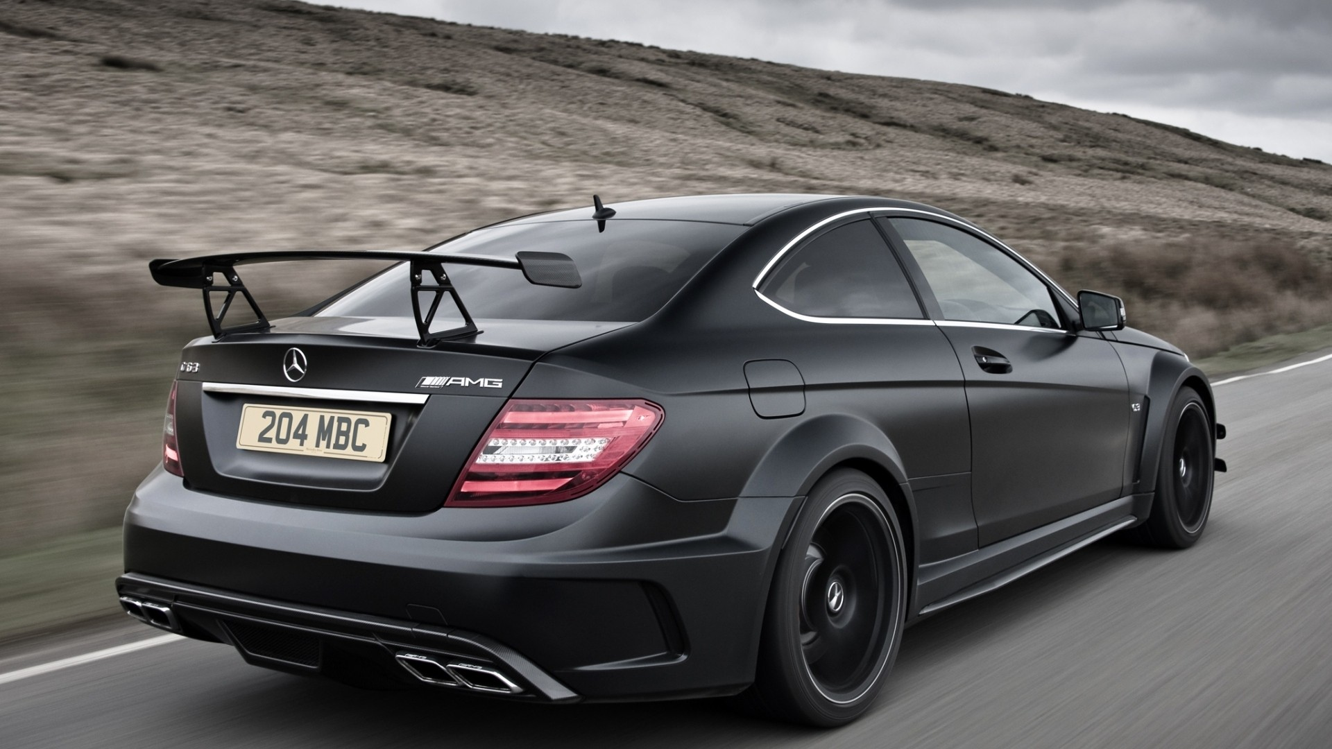 Mercedes Benz C63 AMG Black Series - photo
