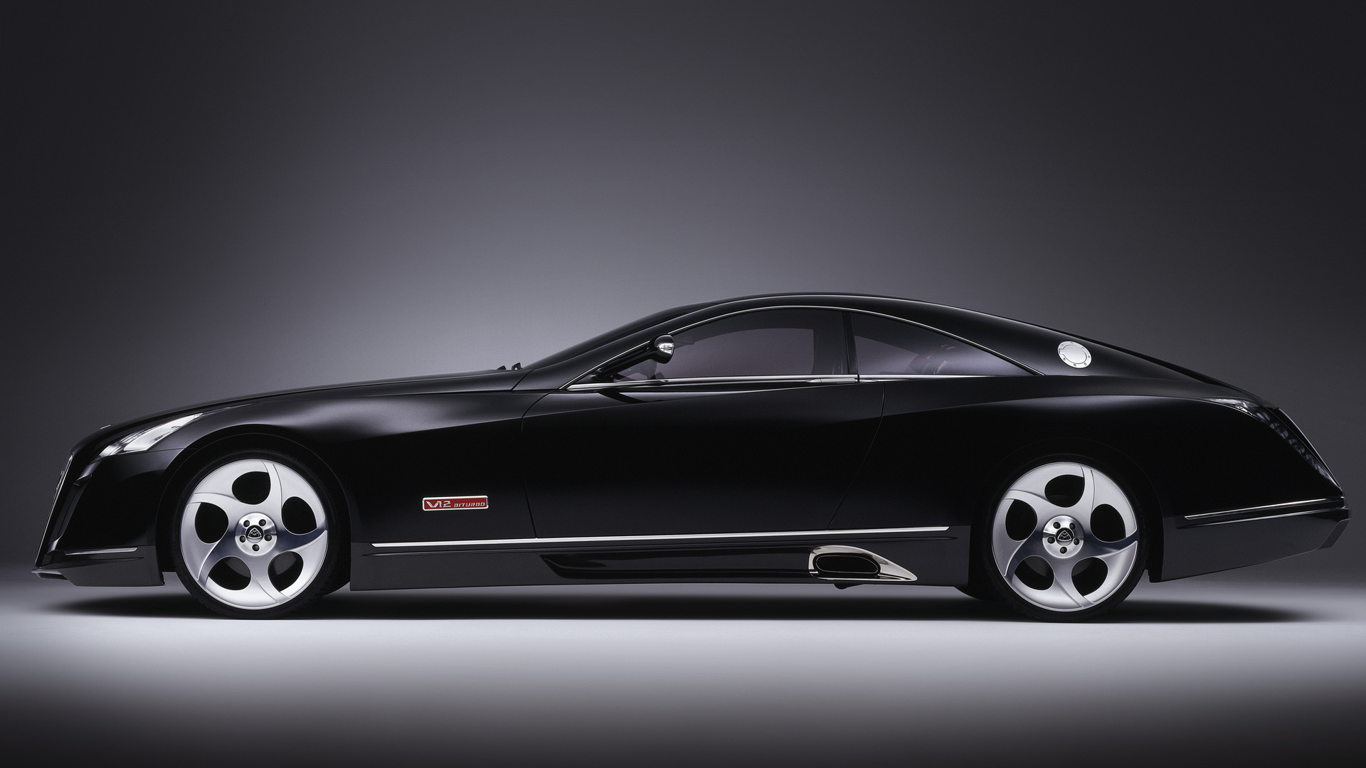 Photo black Maybach Exelero, side view