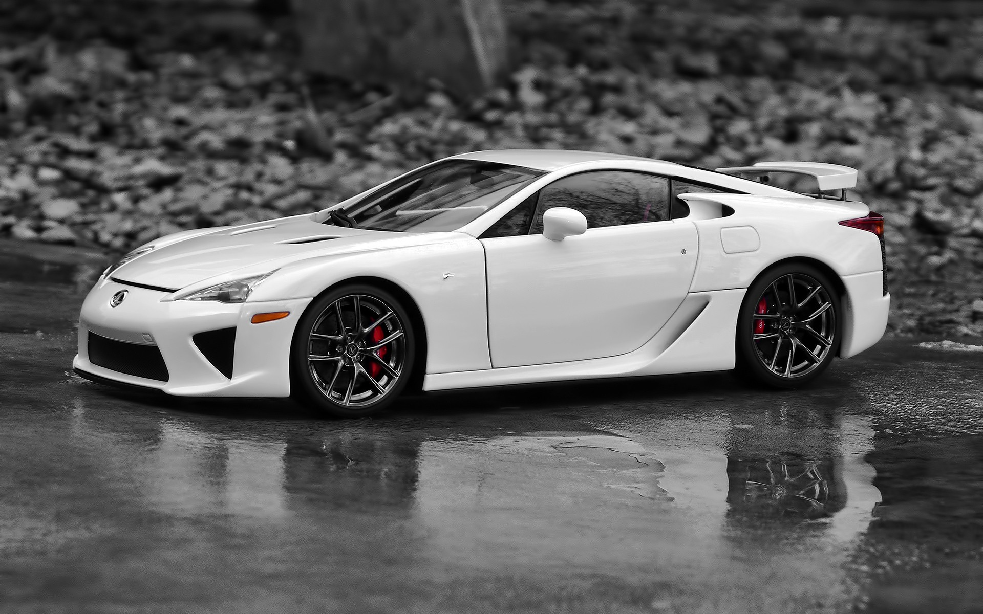 Photo white car Lexus LFA for your computer desktop.