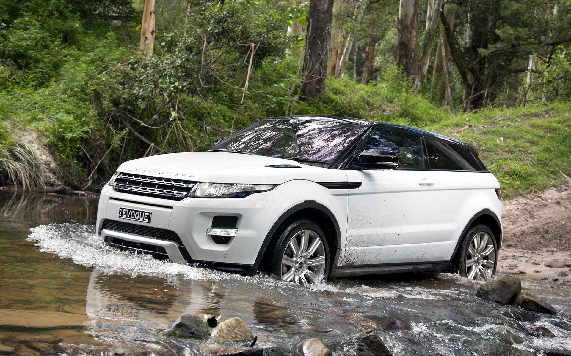 Range Rover Evog, water obstacles