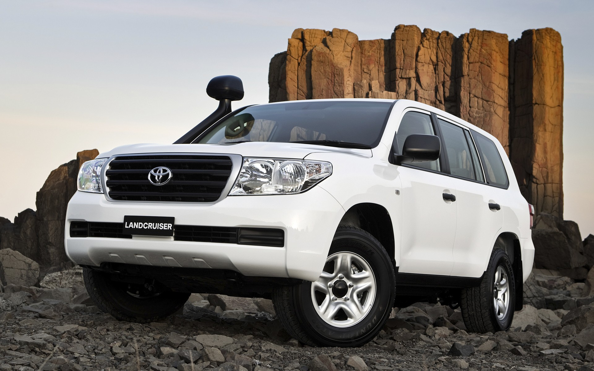 Toyota Land Cruiser, photos