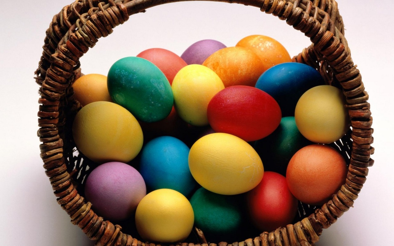 basket with painted eggs