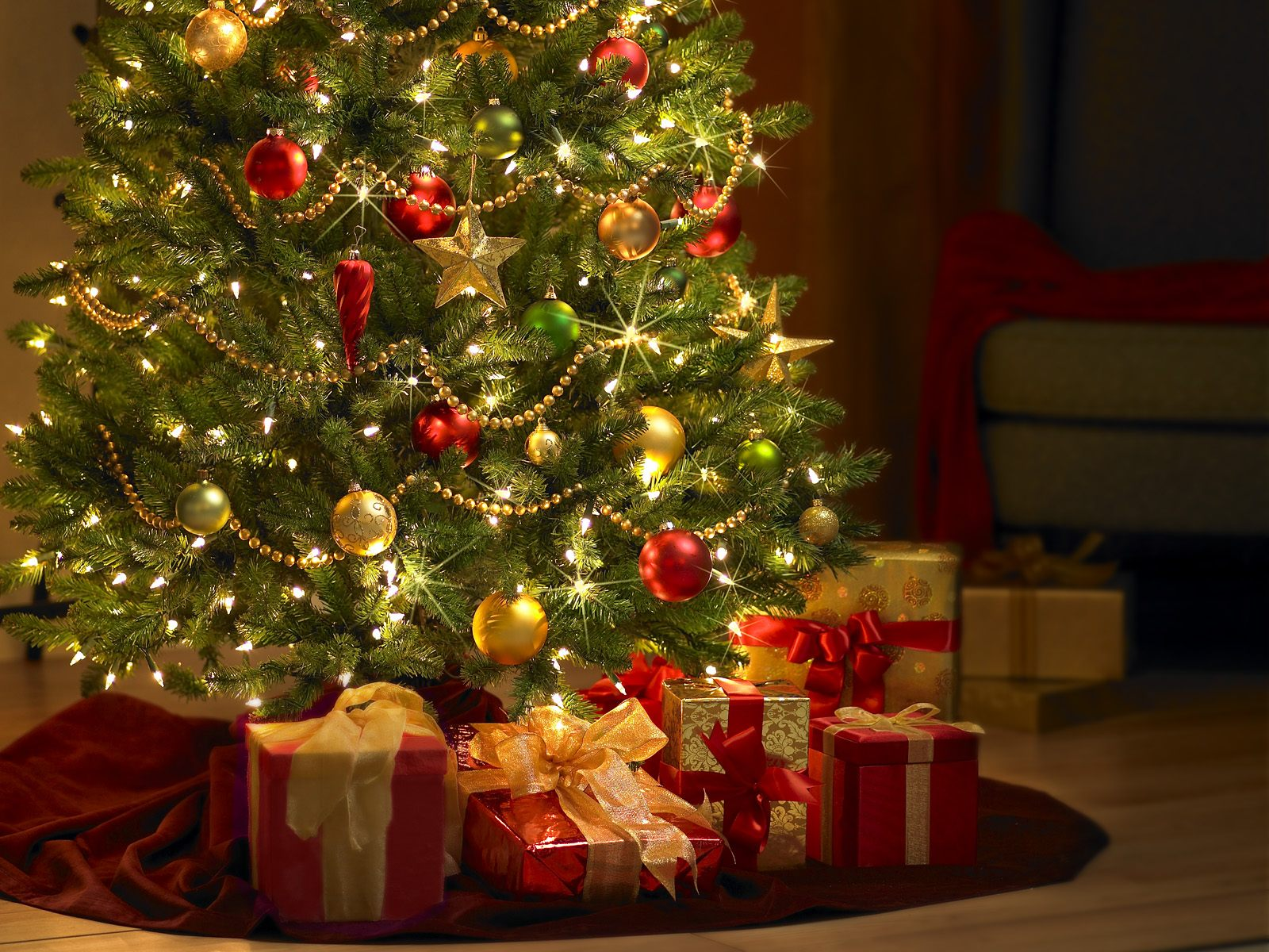 Bright Christmas tree with gifts