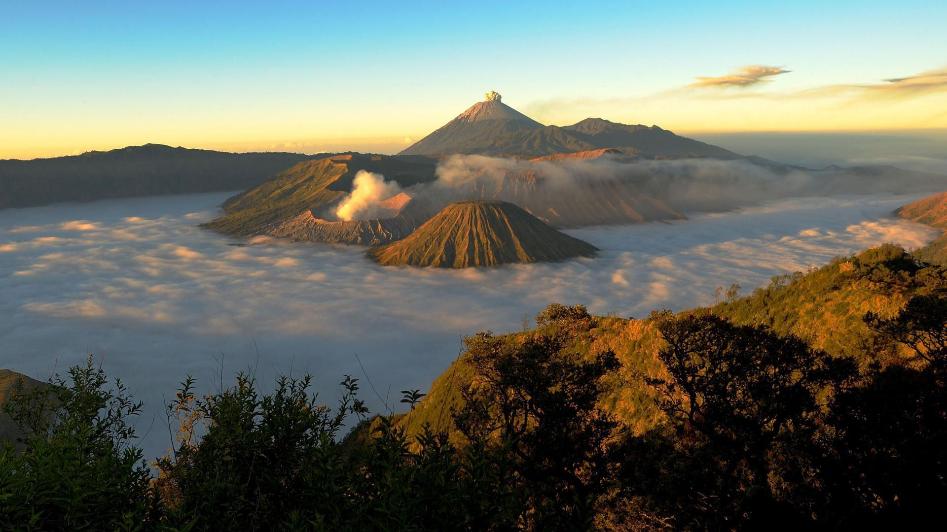 Activity at volcanoes in Indonesia