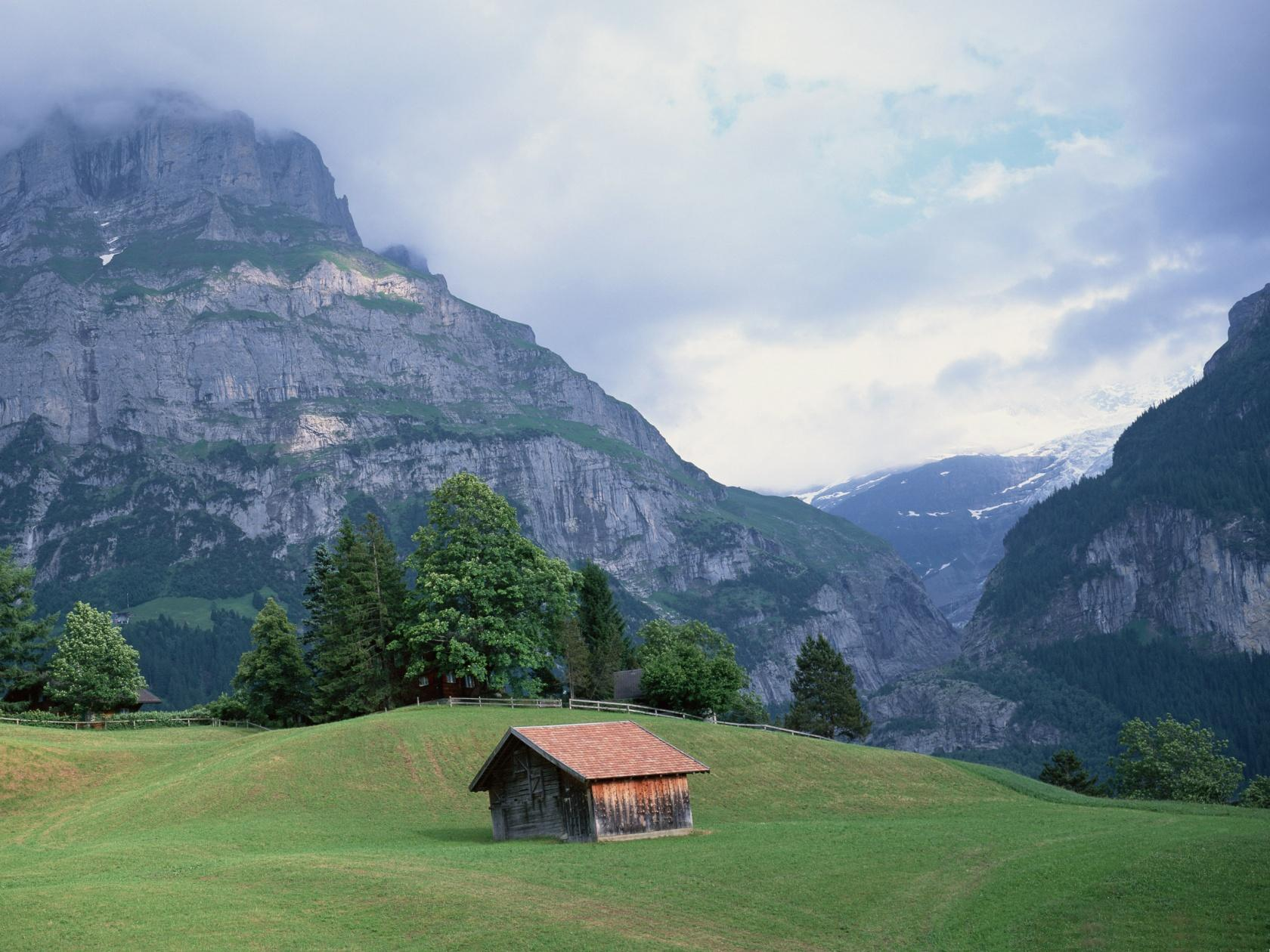 barn in the mountains