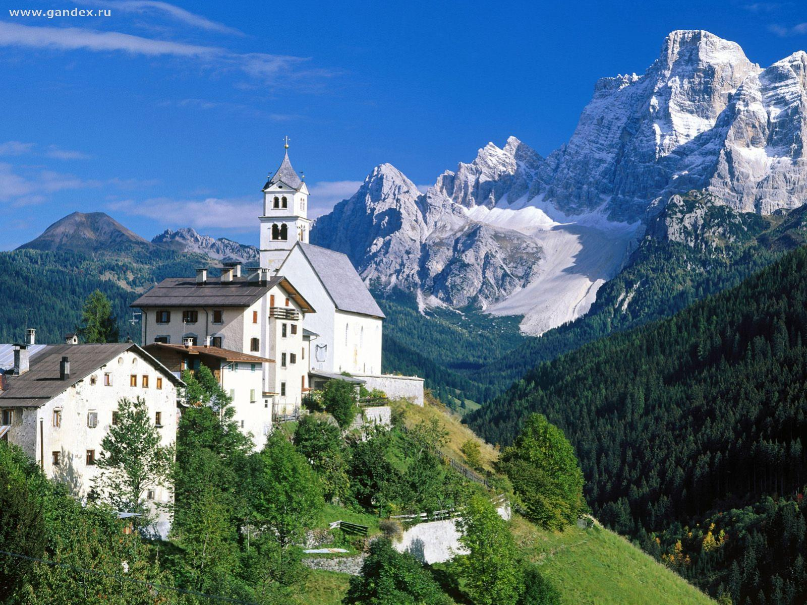 Italy, the Alps mountains - Wallpaper
