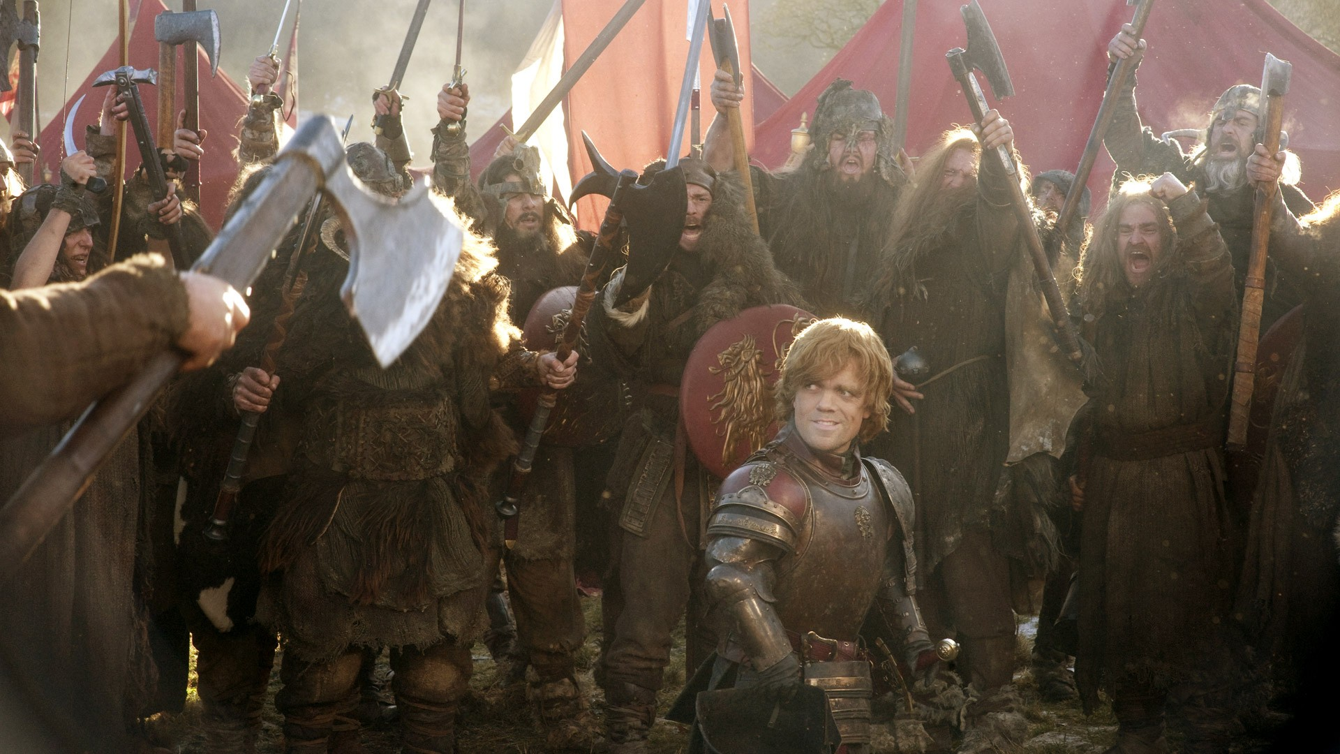 Tyrion Lannister (Peter Dinkleydzh) soldiers in the crowd of savages - the film Game of Thrones
