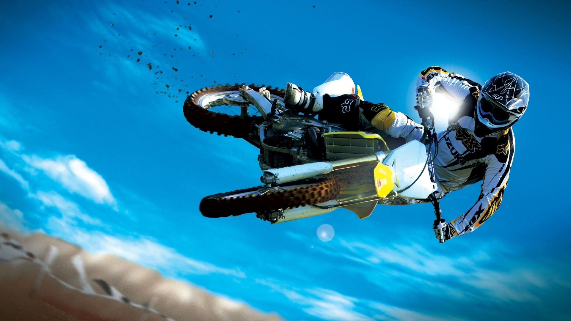 Moto freestyle, photo athlete in the air - great wallpapers for your desktop
