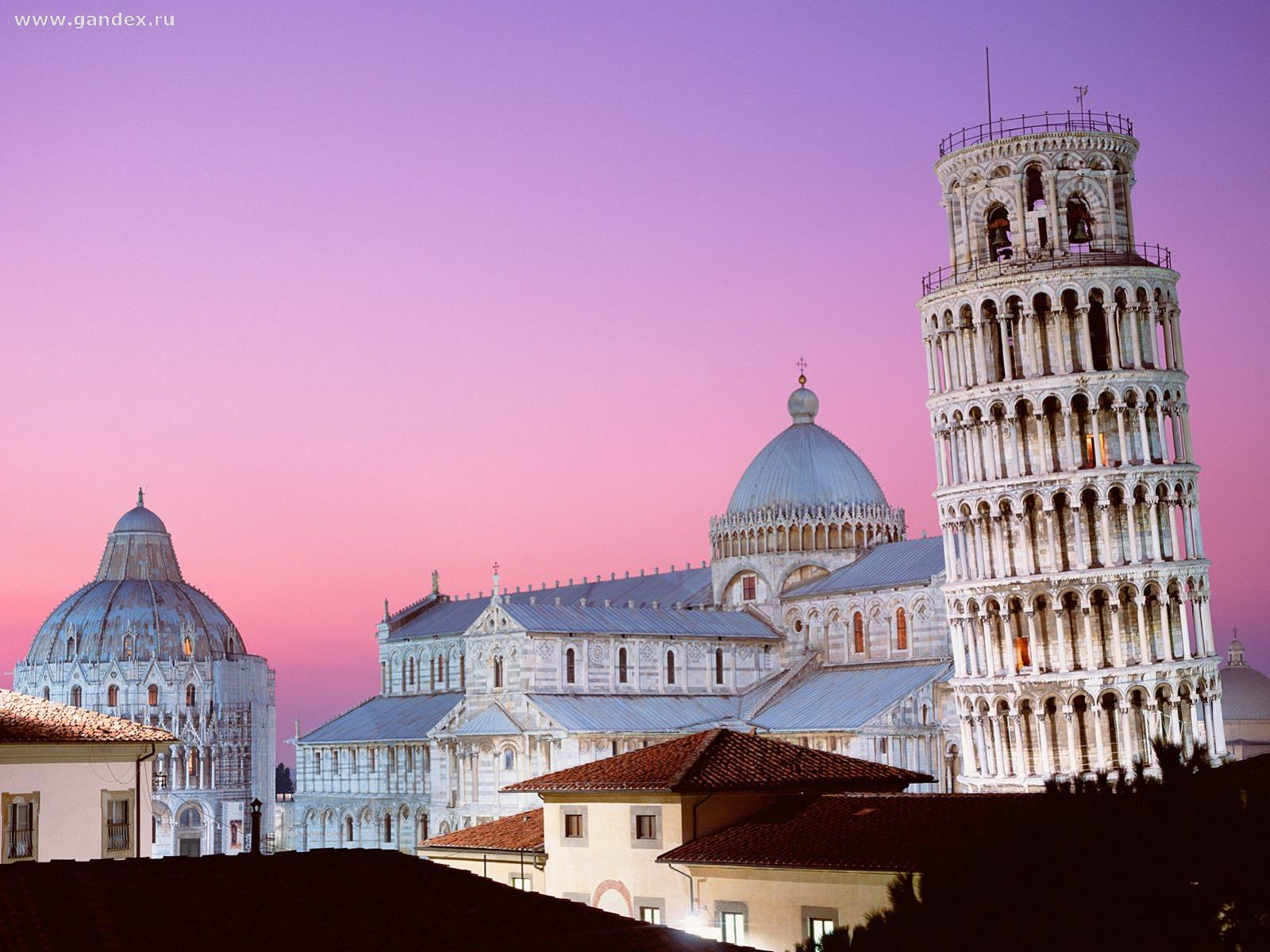 Leaning Tower of Pisa in Italy wallpaper